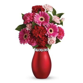 Adorable and affordable, it's the perfect gift for all the sweet people in your life. Presented in a chic XOXO keepsake vase